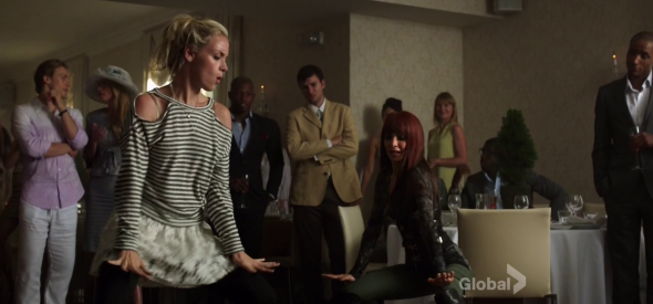 Tamsin and Kenzi dancing in Let the Dark Times Roll